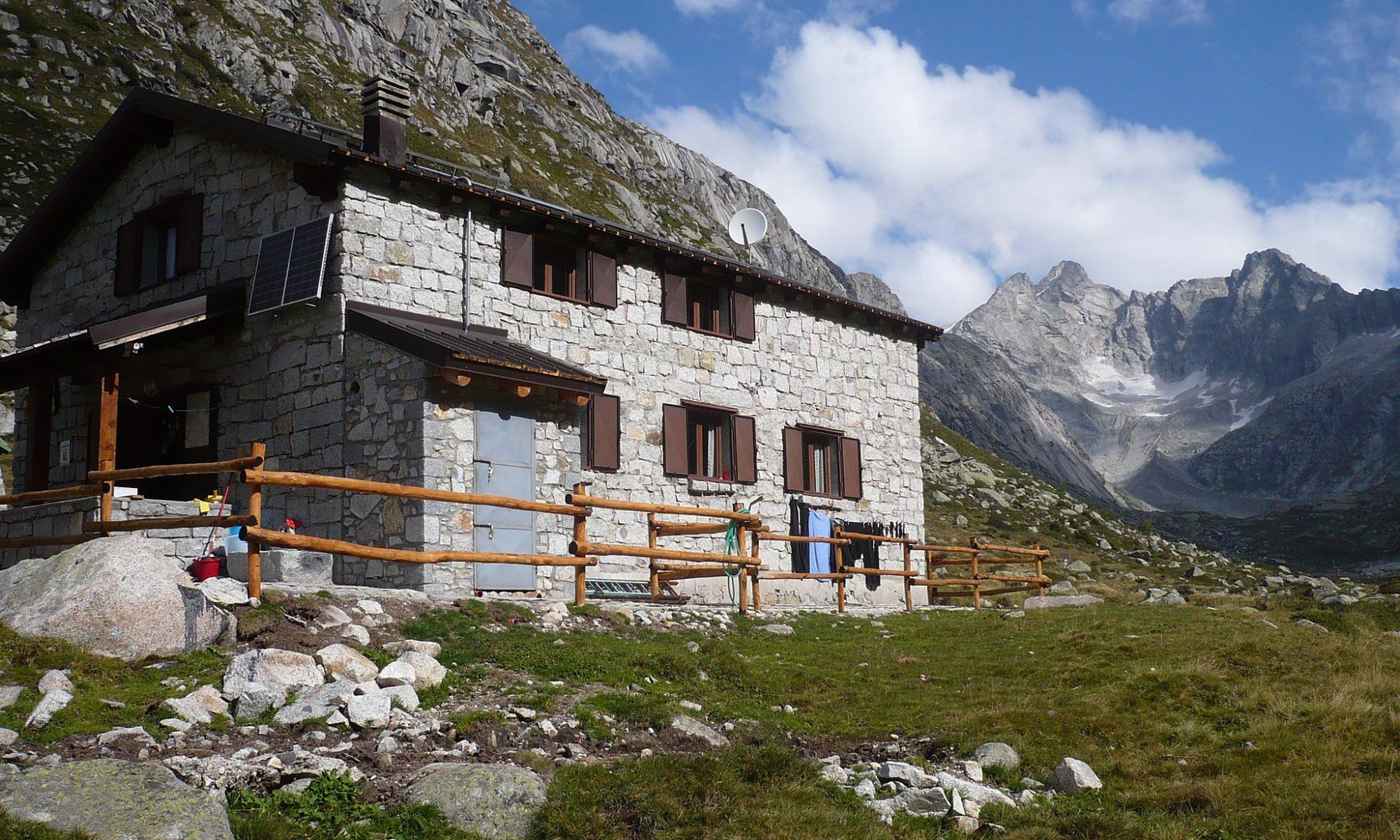 wikicommons rifugio baita adame